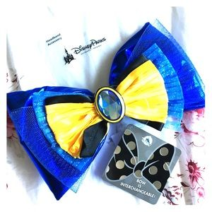 Disney's limited edition interchangeable hair bow